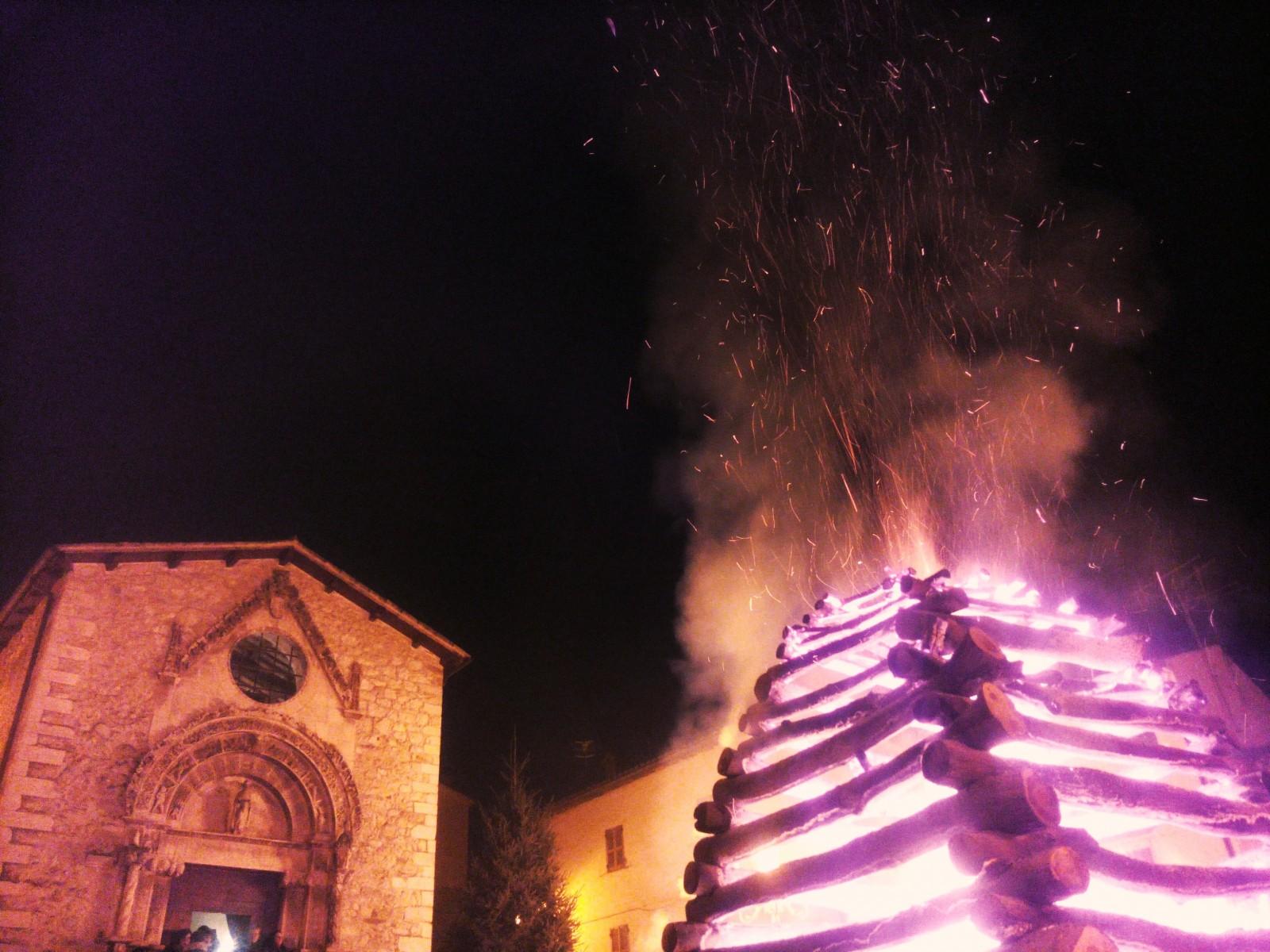 fuoco di Sant'Antonio Tossicia